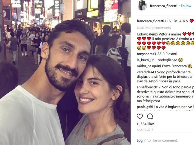 Smrt italijanskog fudbalera šokirala svet: Ovo je devojka koja je bila njegova životna ljubav