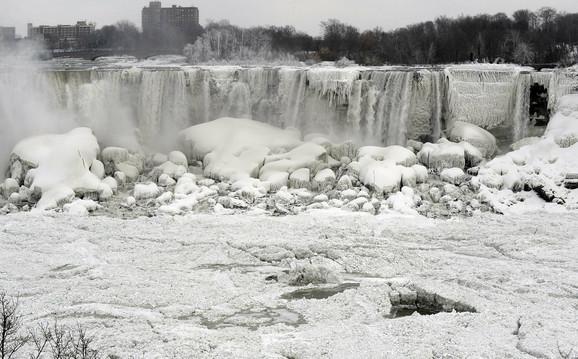 Pre 102 godine troje ljudi je poginulo kada se polomio ledeni most