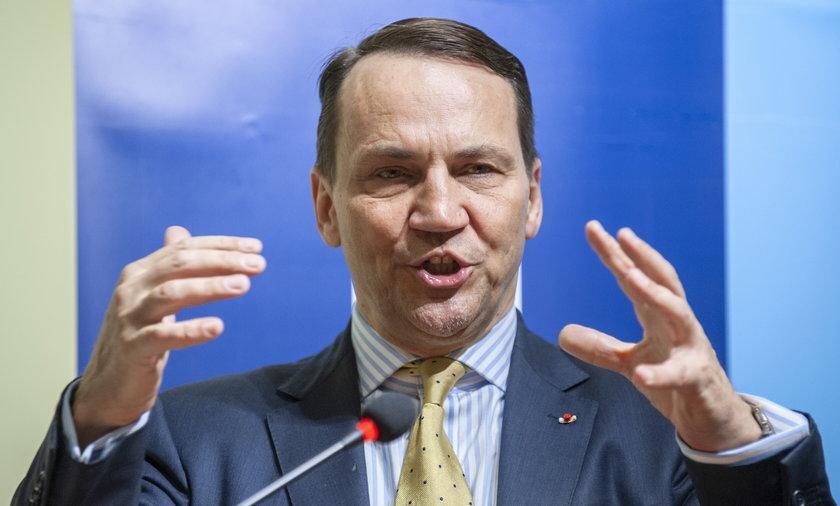 Radosław Sikorski chce stworzenia armii europejskiej.