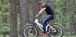 Nie do wiary! Hołek na rowerze