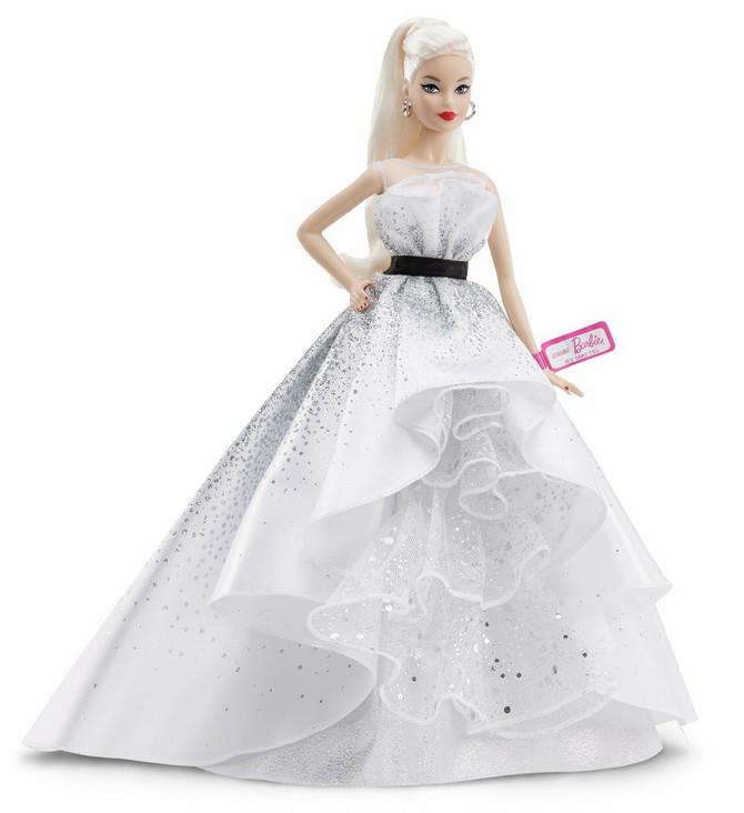 Barbika više nije samo lutka, postala je influenserka