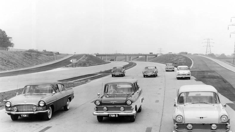 Lata 50.: Vauxhalle na nowo powstałej brytyjskiej autostradzie