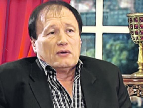 Vlada Perović, Suzanin muž
