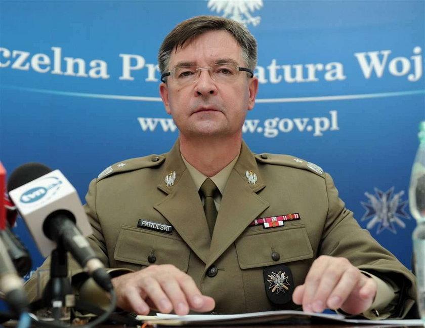 Prokuratura: Błasika nie było. Kaczyński: Powinni przeprosić