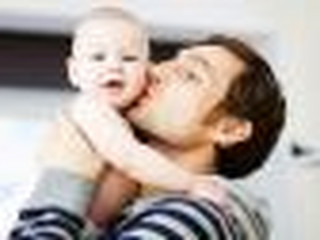 Gdy matka jest cudzoziemką, ojciec dostanie świadczenie rodzicielskie