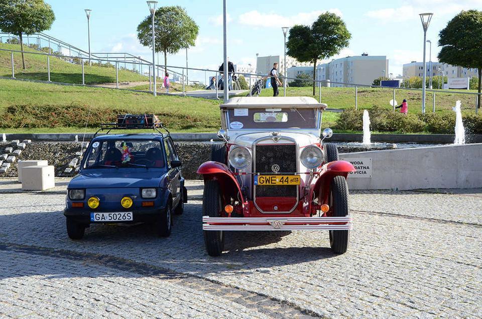 Wejherowo: mechanik buduje przedwojenne polskie auta