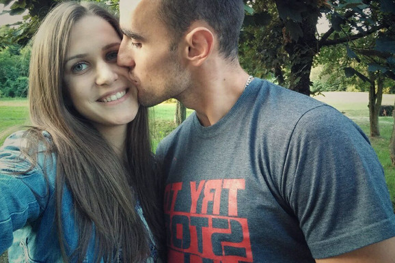 TRAGEDIJA U POVRATKU SA OSTROGA Marko (27) iz Čačka poginuo u nesreći, njegovoj devojci se bore za život