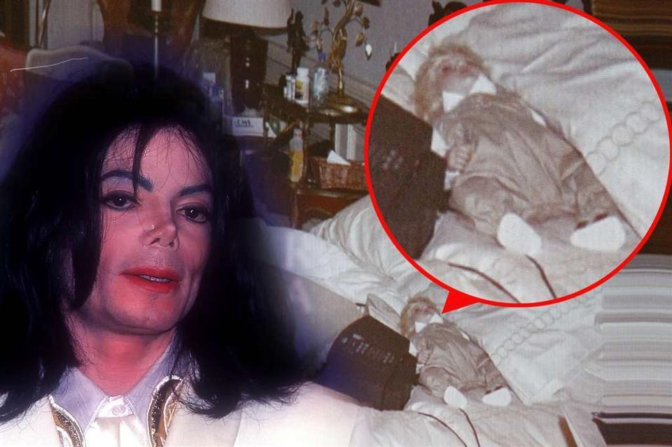 Jackson Spał Z Lalką