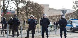 Uchodźcy zaatakowali policjantkę