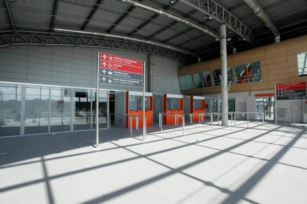 Zdaniem specjalisty linie lotnicze straciły zaufanie do lotniska w Modlinie i prawdziwe negocjacje o powrocie rozpoczną się dopiero teraz, kiedy port ma wszystkie pozwolenia.