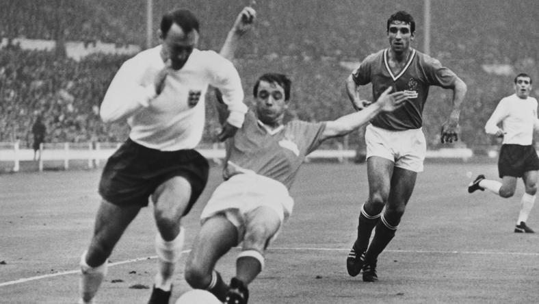 Jimmy Greaves (z lewej)