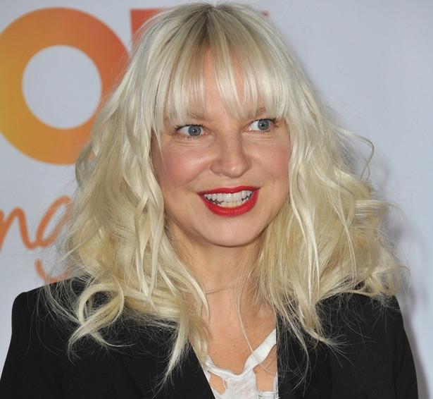 """""""To najlepszy projekt, jakiego się w życiu podjęłam, jest też zarazem najważniejszym i najtrudniejszym ze wszystkich"""" – mówi Sia."""