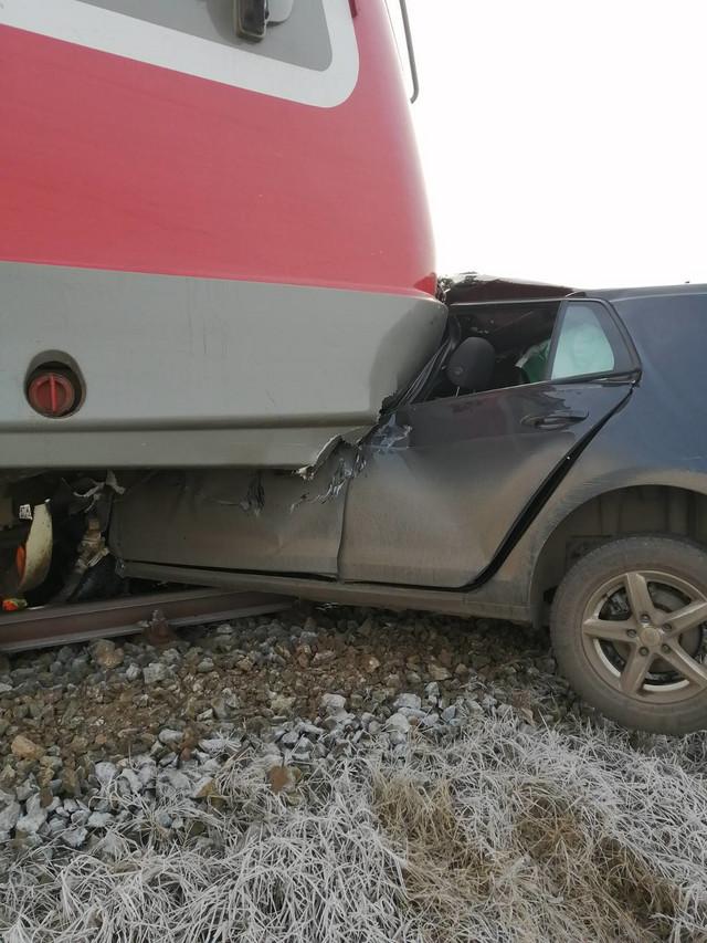 Voz udario automobil