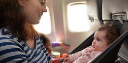 Z niemowlakiem w samolocie. Z czym to się wiąże?