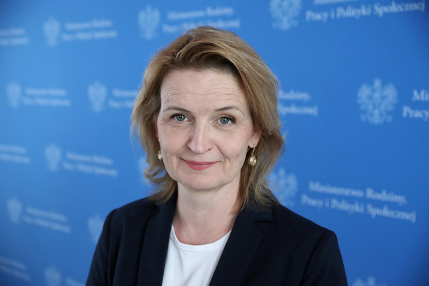 Barbara Socha, wiceminister rodziny i polityki społecznej.