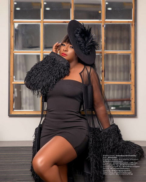 Unlike a lot of movie stars who use their social media platforms to share with fans all their projects, Ini Edo has been able to capture hers with a different approach. [Instagram/IniEdo]