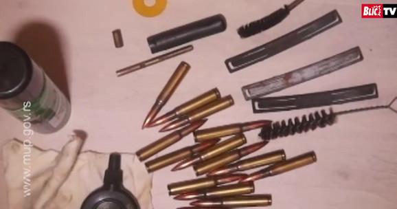 Pored droge zaplenjeno je i oružje