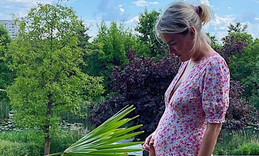 Olga Frycz jest w drugiej ciąży! Gwiazda pokazała brzuszek i zdradziła płeć dziecka.