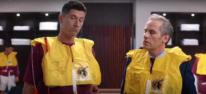 Lewy zagrał w filmie z gwiazdami. Uczy zasad bezpieczeństwa w samolocie