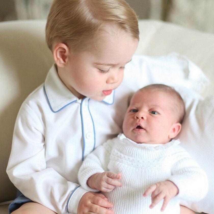 George z małą siostrzyczką