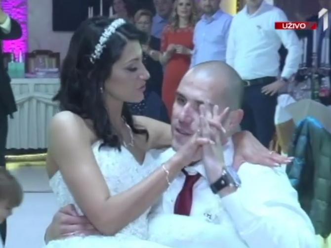 Prvi ples Nataše i Roberta svi su gledali u suzama: Pred venčanje on je doživeo nesreću koja je PROMENILA SVE, a ona ga nikad neće ostaviti