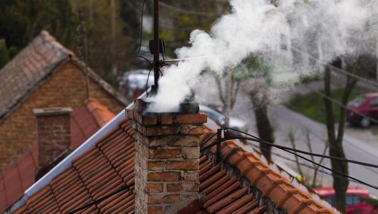 Świdnik: sypią się mandaty za palenie odpadami