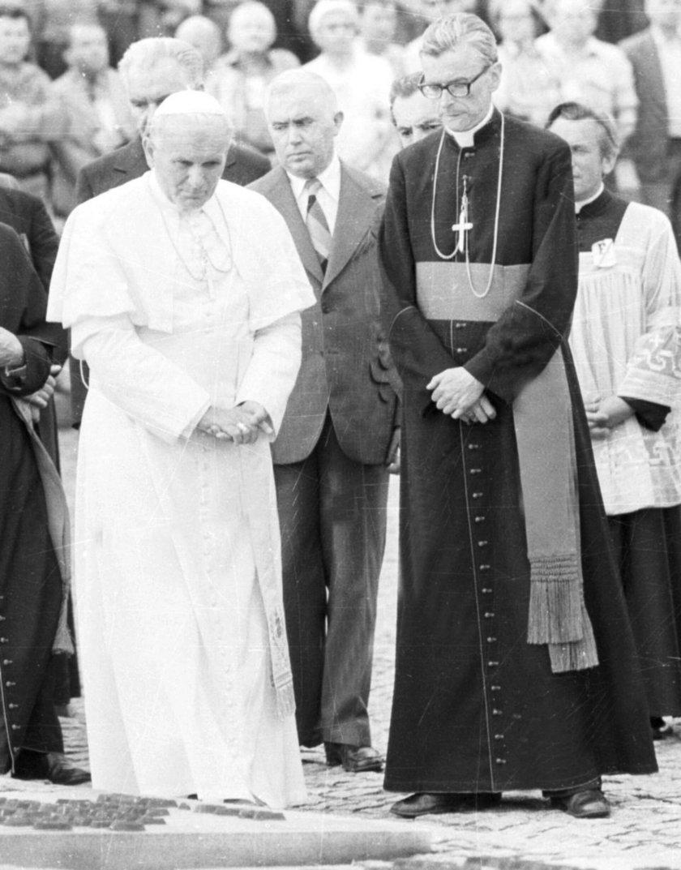 Z papieżem