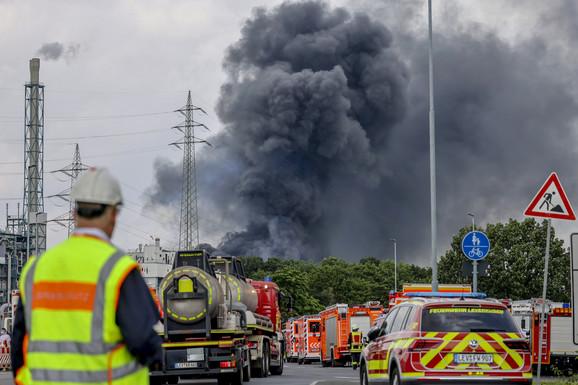Otvorena istraga o eksploziji u Leverkuzenu: U hemijskoj fabrici poginulo dvoje