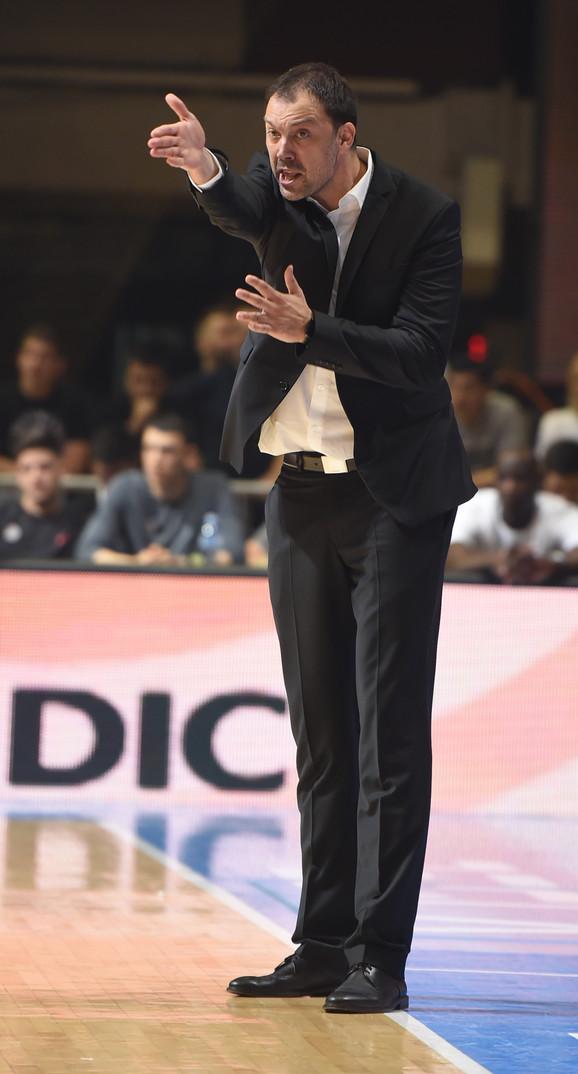 Trener crno-belih Nenad Čanak
