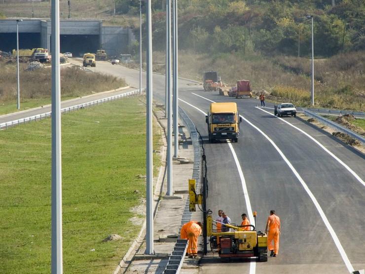 246156_autoput-gradiliste-foto01-public-