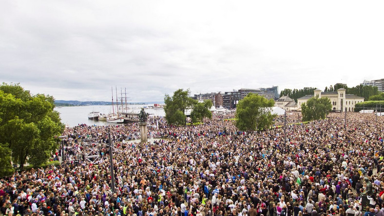 150 tys. osób na marszu przeciw przemocy w Oslo