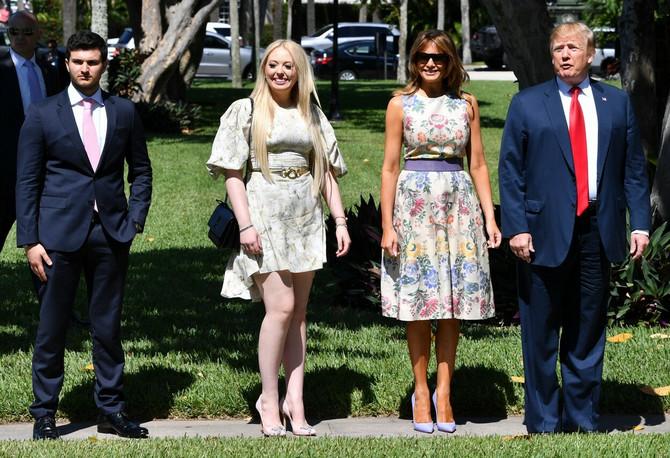 Tifani Tramp sa dečkom Majklom Bulosom i Melanijom i Donaldom Trampom