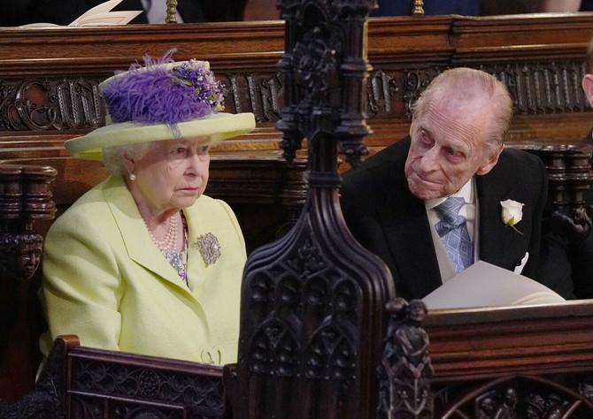 Kraljica Elizabeta II sa suprugom