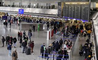 Chaos na lotniskach w Niemczech. Pasażerowie z Wysp muszą czekać na wyniki testów nawet do 24 godzin