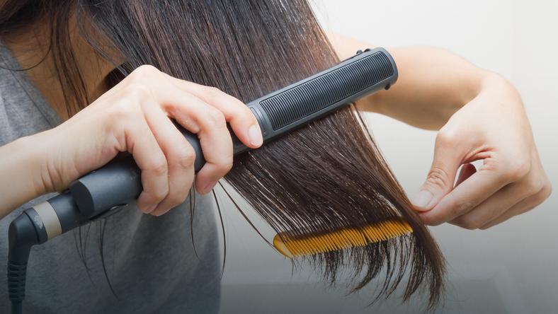 prostowanie włosów