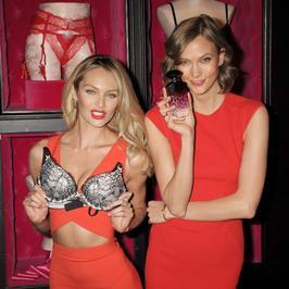 Seksowne modelki Victoria's Secret w czerwieni