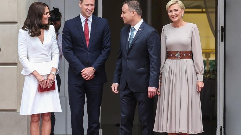 Para książęca Wielkiej Brytanii i para prezydencka Polski spotkały się w pałacu prezydenckim...