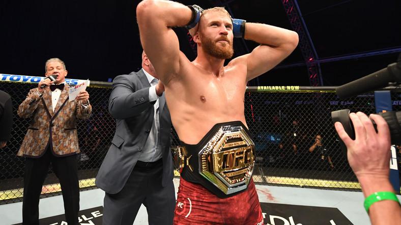 UFC 253: Jan Błachowicz mistrzem! Polak dokonał niemożliwego! Reyes pokonany! Relacja - Sport