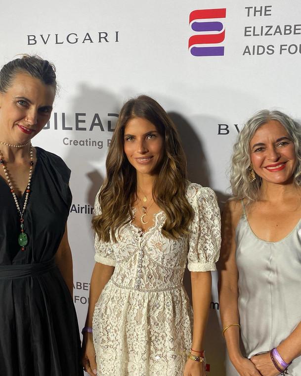 Weronika Rosati with her granddaughters Elizabeth Taylor