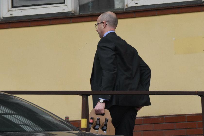 Brytyjski ambasador z piwem do prezesa!