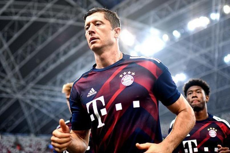 Lewandowski w FIFA 21. Największe atuty