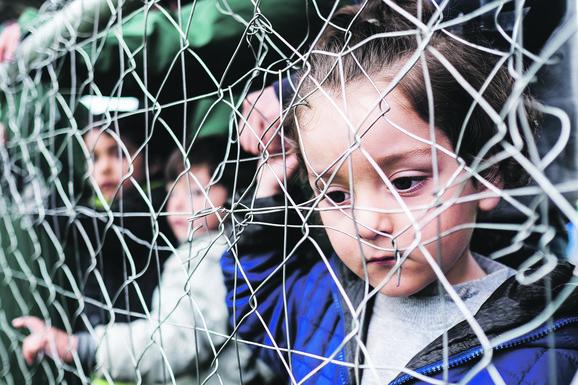 Među izbeglicama je i mnogo dece