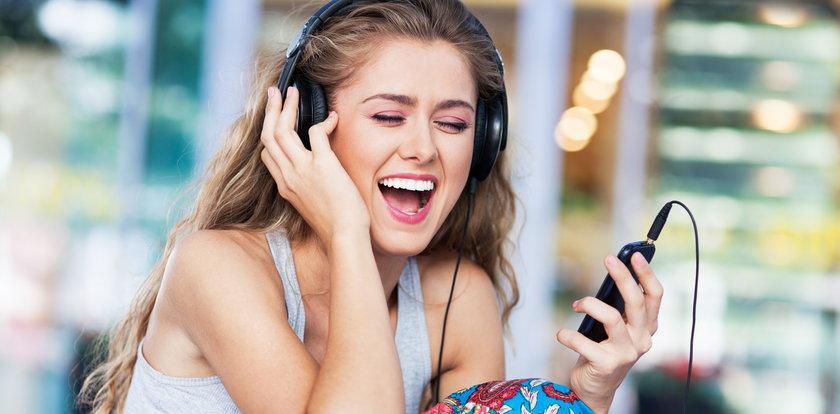 Twój głos brzmi jakoś inaczej? Sprawdź, jaka może być przyczyna