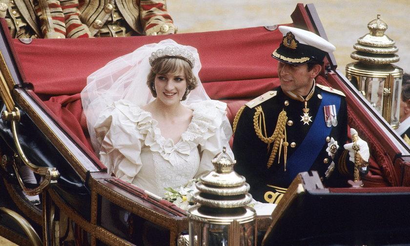 Po ceremonii Para Młoda udała się do Pałacu Buckingham.