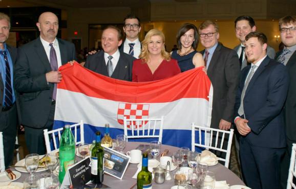 Predsednica Hrvatske sa ustaškom zastavom
