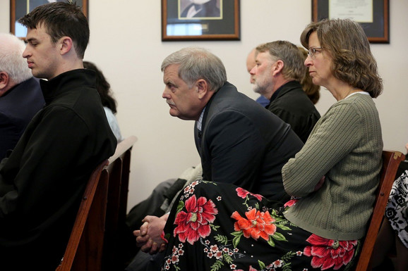 Džeromovi roditelji Bil i Karen Kankel na suđenju