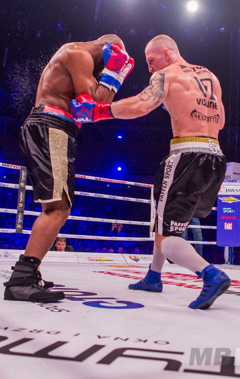 Z brytyjskim bokserem miał walczyć Krzysztof Głowacki (34 l.), ale kilka dni temu złapał koronawirusa.