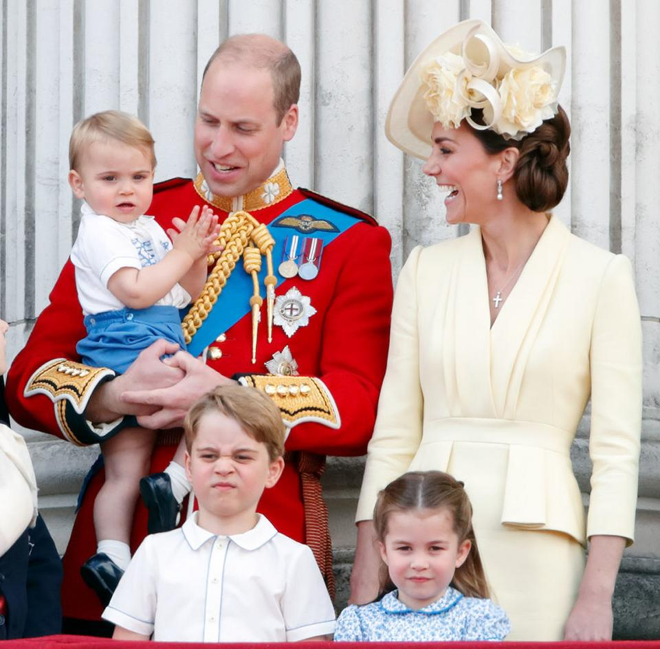 William, Kate i dzieci: Louis, Charlotte i George