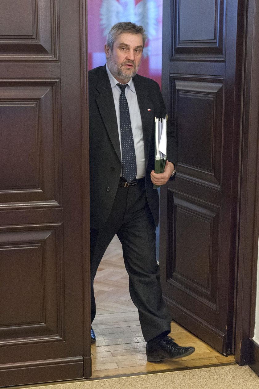 Pieniedzy na urzędników nie żałowano także w resorcie rolnictwa  Krzysztofa Ardanowksiego