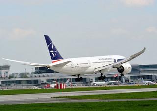 Dreamlinerem z Budapesztu. LOT zastępuje Maleva